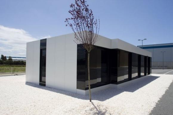 Black & White - Modular House