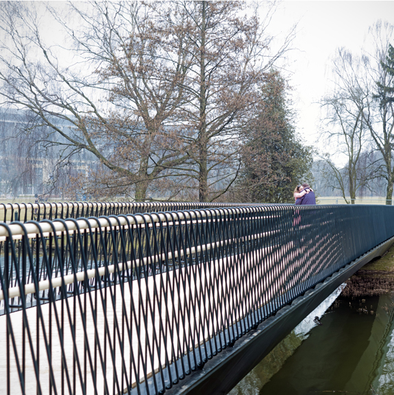Woven bridge