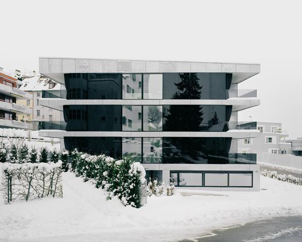 Bytový dům Steel house