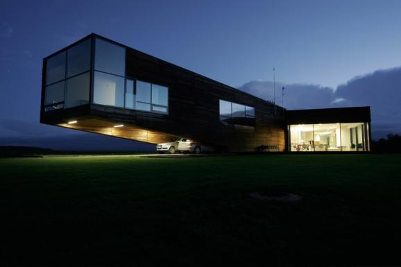 Rodinný dům s odvážnou konzolou