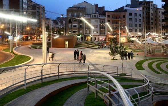 Ricard Viñes Square